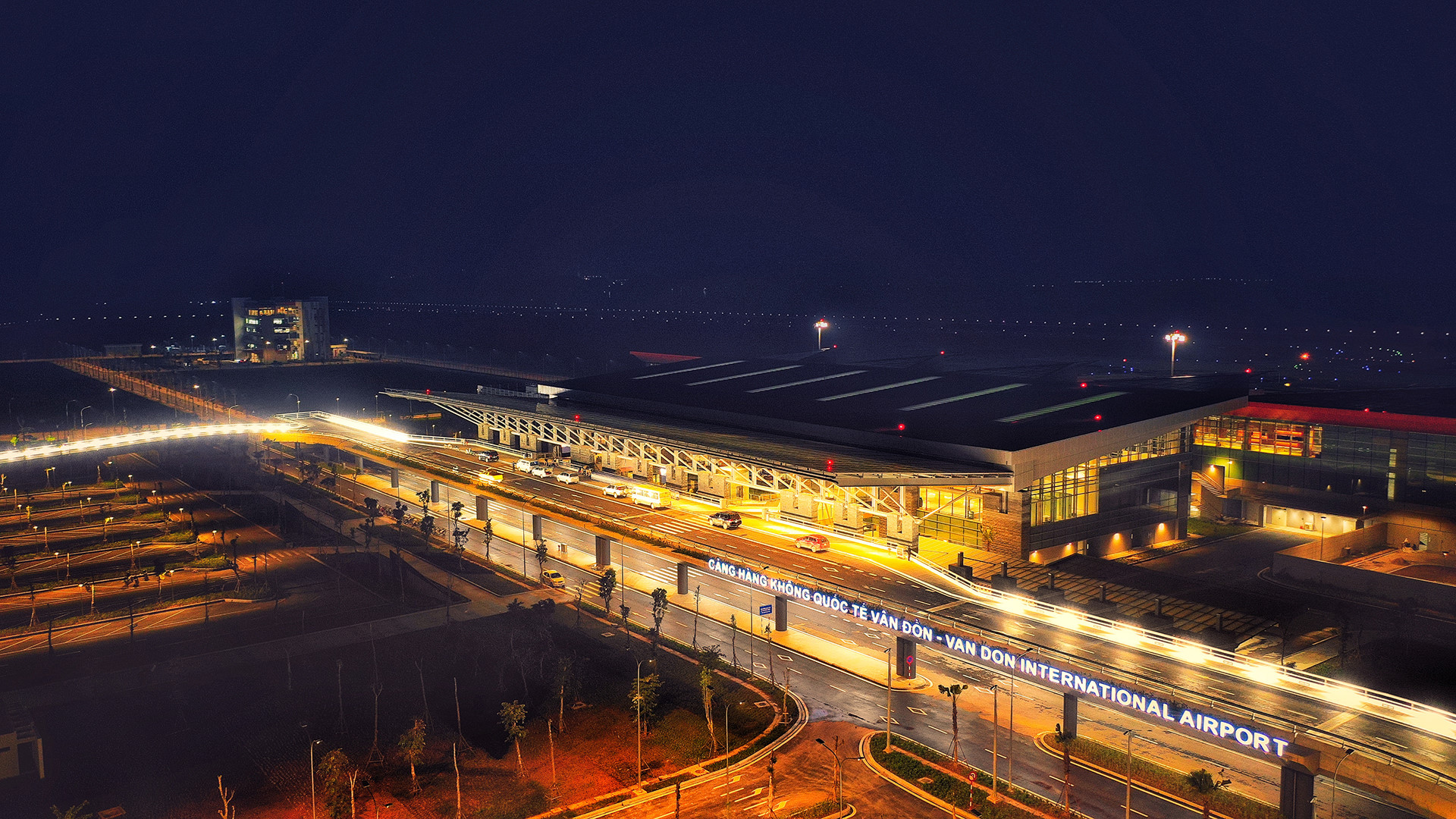 Sân bay Vân Đồn giữa trùng điệp núi rừng Quảng Ninh